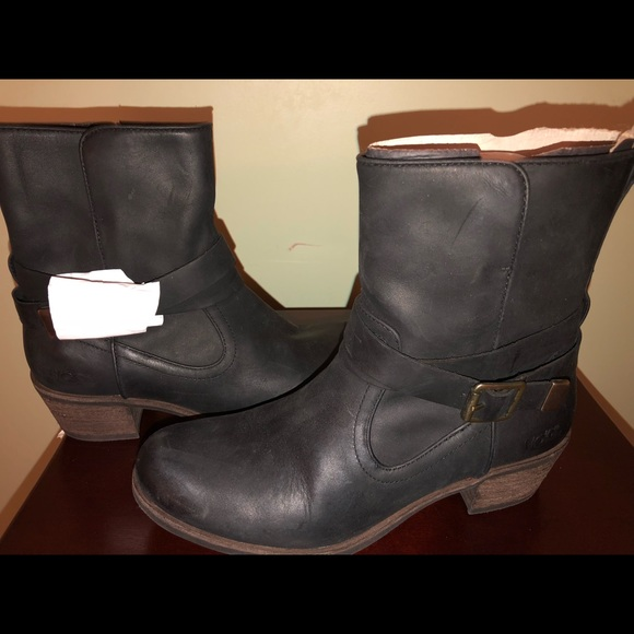 a76544bd96f Ugg - Women's Black Lorraine Water Resistant Boots NWT